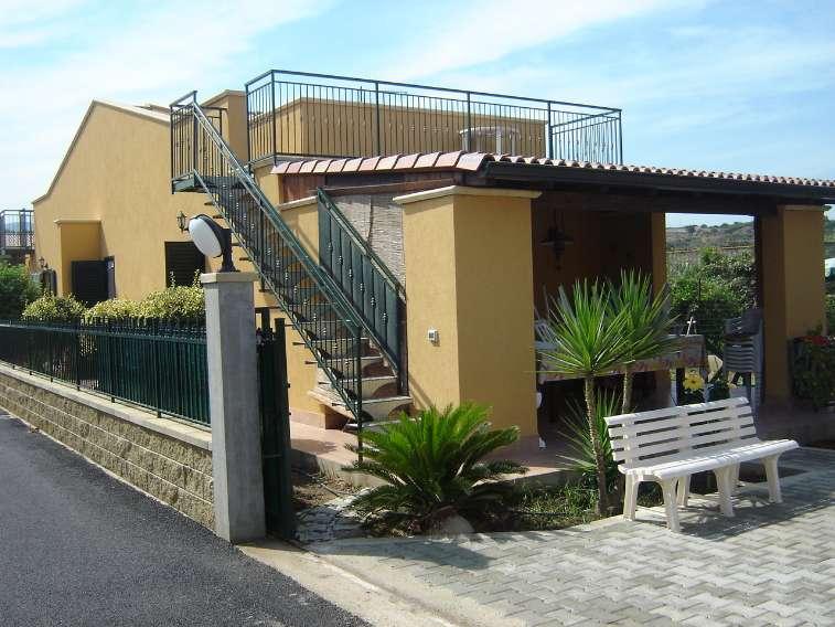 Villa in vendita a Campofelice di Roccella, 3 locali, prezzo € 135.000 | Cambio Casa.it