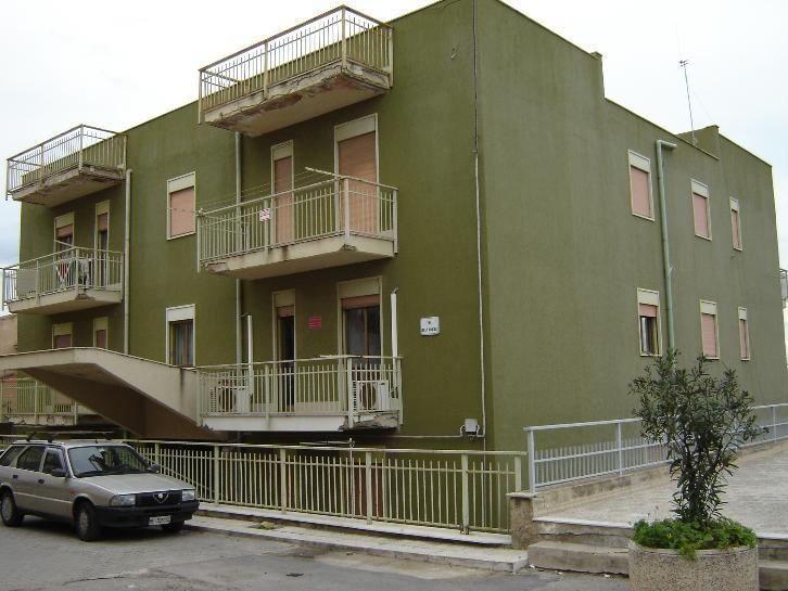 Appartamento in vendita a Campofelice di Roccella, 4 locali, prezzo € 120.000 | Cambio Casa.it