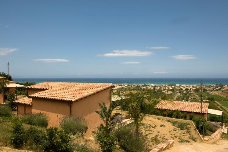 Agriturismo in vendita a Campofelice di Roccella, 15 locali, Trattative riservate | Cambio Casa.it