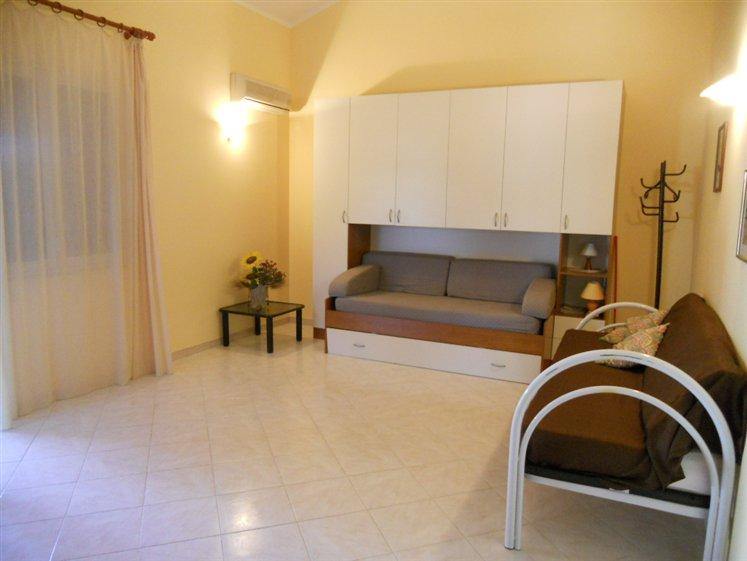 Villa in affitto a Campofelice di Roccella, 4 locali, prezzo € 450 | Cambio Casa.it