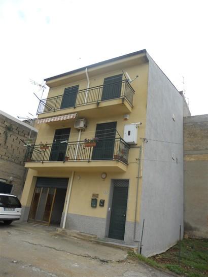 Appartamento in vendita a Campofelice di Roccella, 5 locali, prezzo € 180.000 | Cambio Casa.it