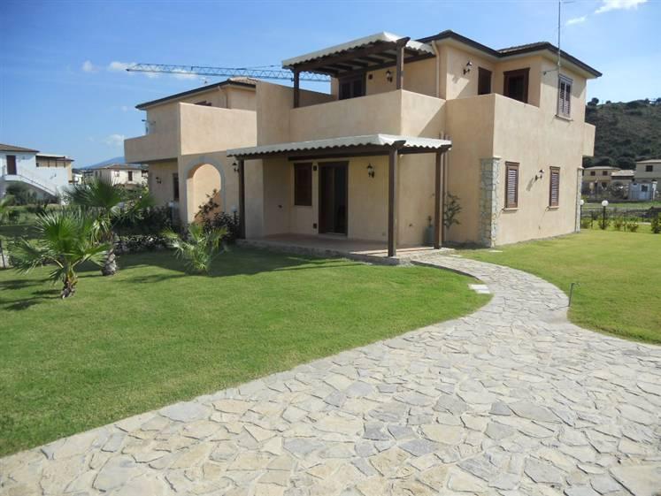 Villa in vendita a Campofelice di Roccella, 4 locali, prezzo € 175.000 | Cambio Casa.it
