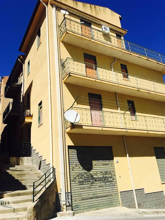 Appartamento in vendita a Campofelice di Roccella, 3 locali, prezzo € 108.000 | CambioCasa.it