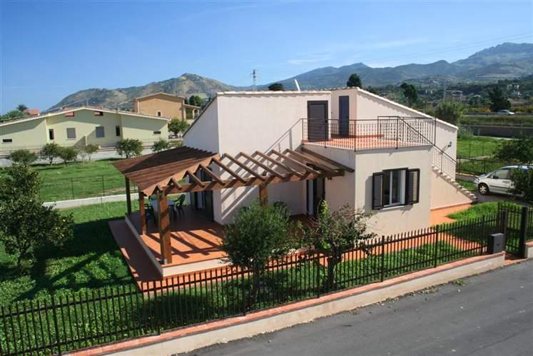 Villa in affitto a Campofelice di Roccella, 3 locali, prezzo € 590 | Cambio Casa.it