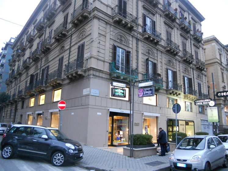 Appartamento in affitto a Palermo, 5 locali, zona Zona: Libertà, Trattative riservate | CambioCasa.it