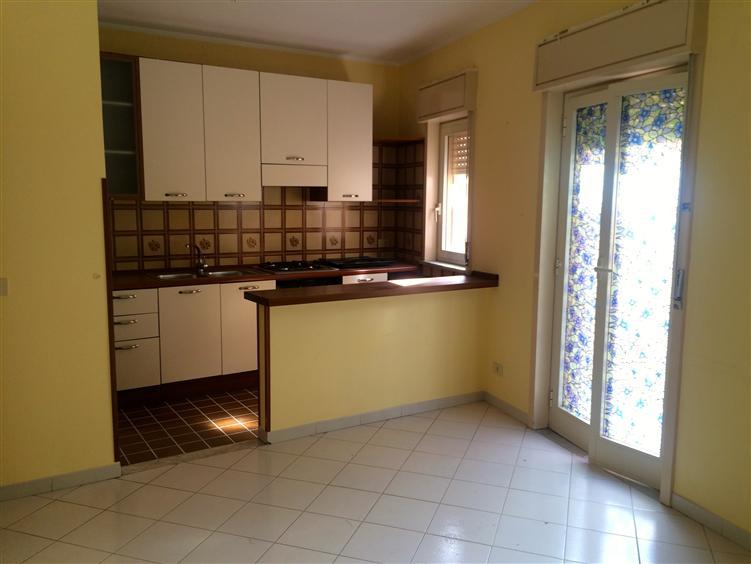 Appartamento in vendita a Campofelice di Roccella, 3 locali, prezzo € 85.000 | Cambio Casa.it