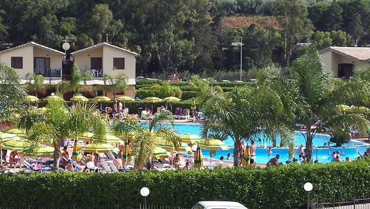 Villa in affitto a Campofelice di Roccella, 3 locali, prezzo € 450 | Cambio Casa.it