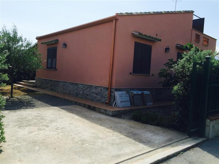Villa Bifamiliare in affitto a Campofelice di Roccella, 4 locali, prezzo € 590 | CambioCasa.it