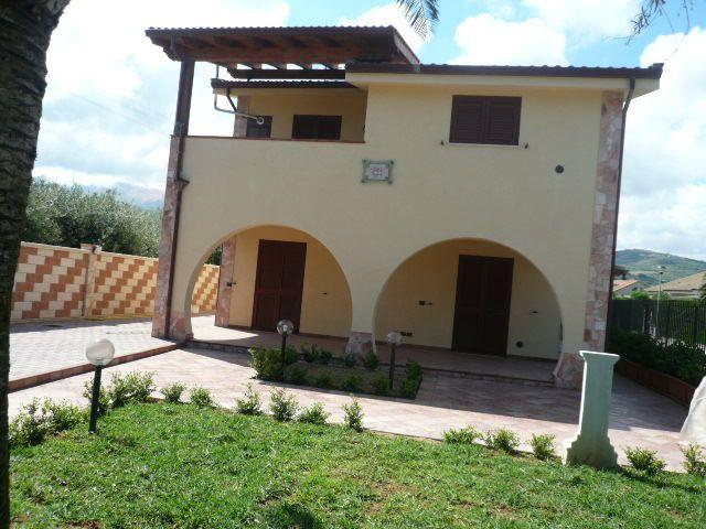 Villa in affitto a Campofelice di Roccella, 5 locali, prezzo € 650 | Cambio Casa.it