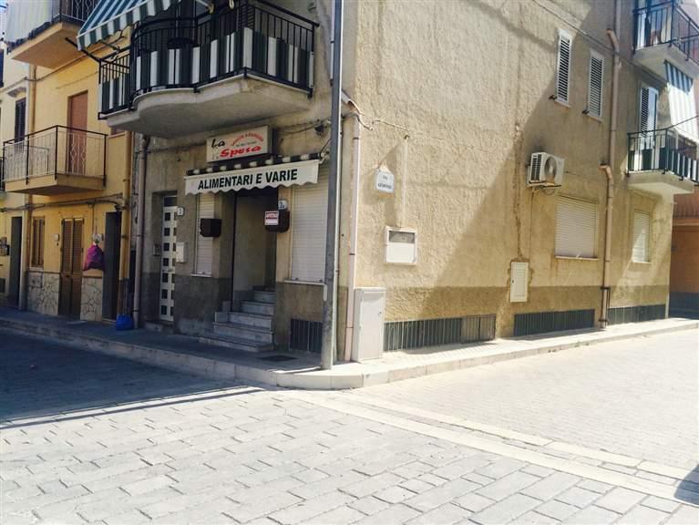 Attività / Licenza in affitto a Campofelice di Roccella, 9999 locali, Trattative riservate | Cambio Casa.it