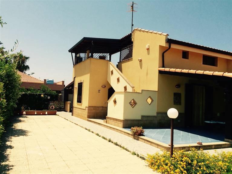 Villa in affitto a Campofelice di Roccella, 3 locali, Trattative riservate | Cambio Casa.it