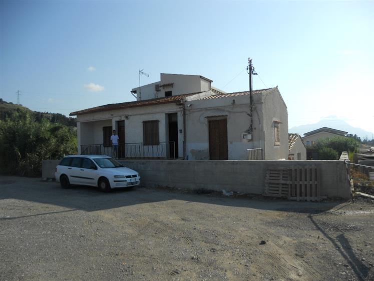 Soluzione Indipendente in affitto a Campofelice di Roccella, 4 locali, prezzo € 400 | Cambio Casa.it