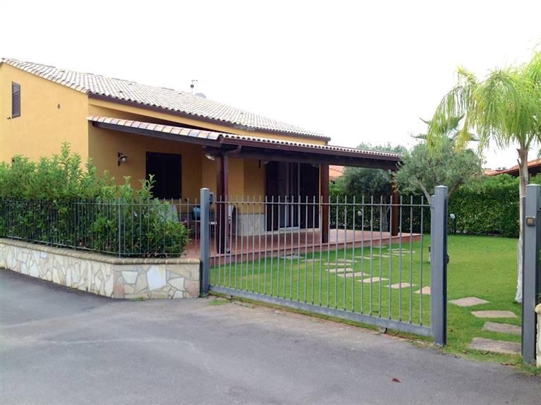 Villa in affitto a Campofelice di Roccella, 4 locali, prezzo € 700 | Cambio Casa.it