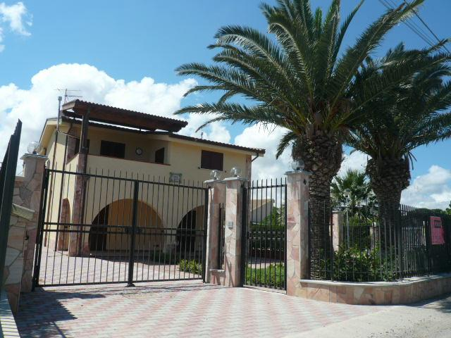 Appartamento in vendita a Campofelice di Roccella, 4 locali, prezzo € 119.000 | Cambio Casa.it