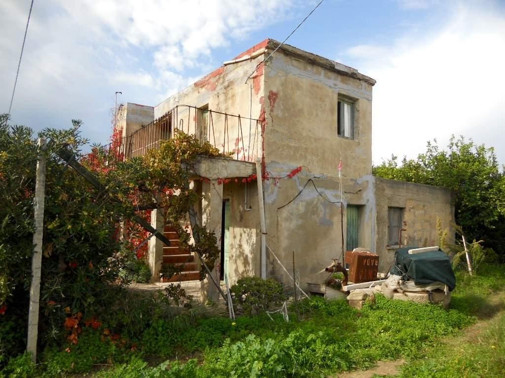 Rustico / Casale in Vendita a Lascari