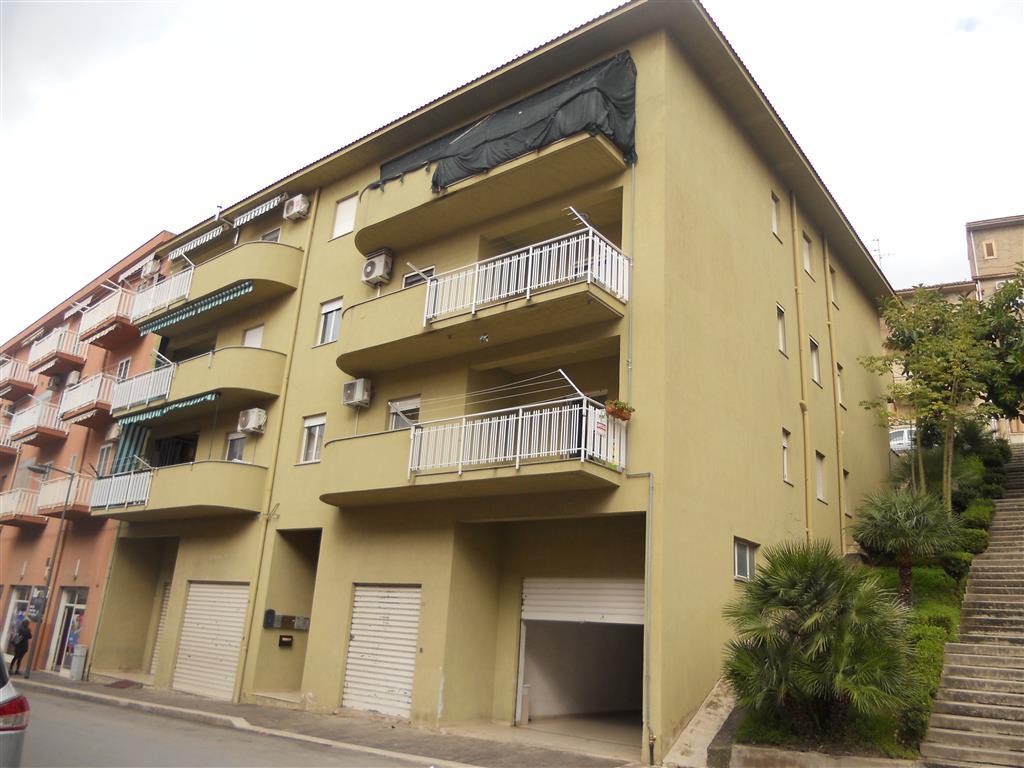 Appartamento in affitto a Lascari, 3 locali, prezzo € 350   CambioCasa.it