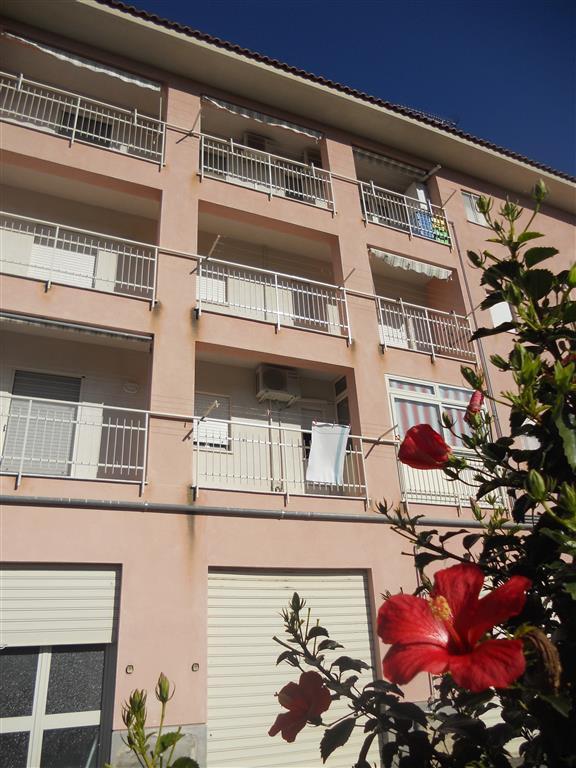 Appartamento in vendita a Lascari, 4 locali, prezzo € 155.000 | Cambio Casa.it