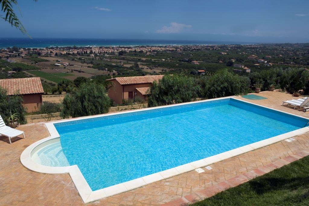 Soluzione Indipendente in affitto a Campofelice di Roccella, 2 locali, prezzo € 600 | Cambio Casa.it