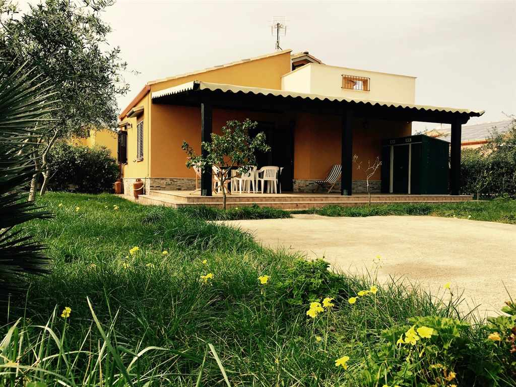 Villa Bifamiliare in Affitto a Campofelice di Roccella