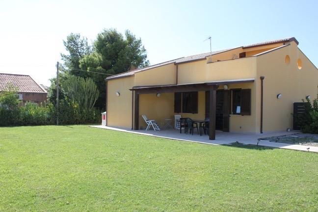 Villa Bifamiliare in affitto a Lascari, 4 locali, prezzo € 400 | Cambio Casa.it