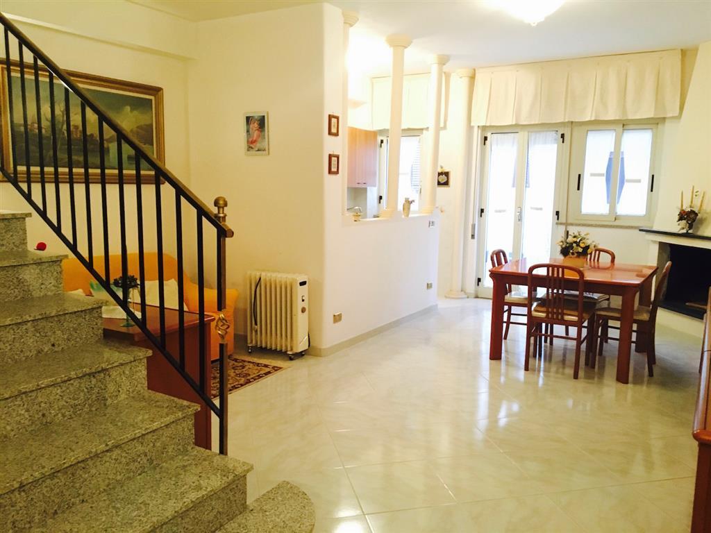 Soluzione Indipendente in vendita a Campofelice di Roccella, 4 locali, prezzo € 138.000 | CambioCasa.it