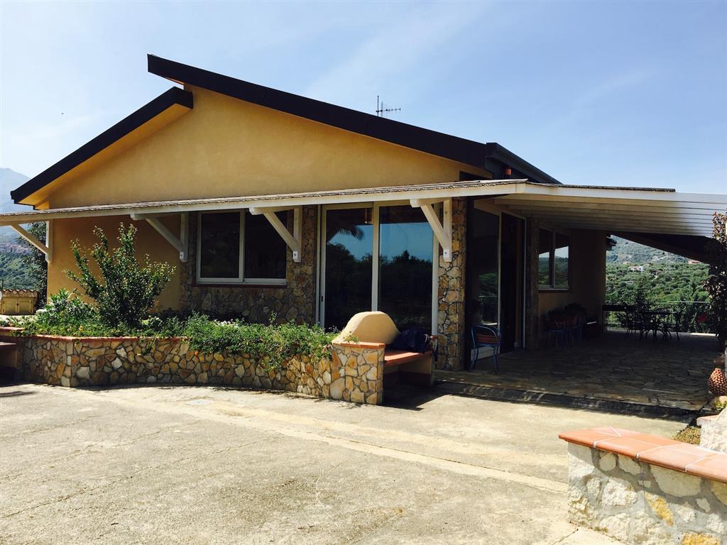 Villa in vendita a Lascari, 7 locali, prezzo € 330.000 | CambioCasa.it