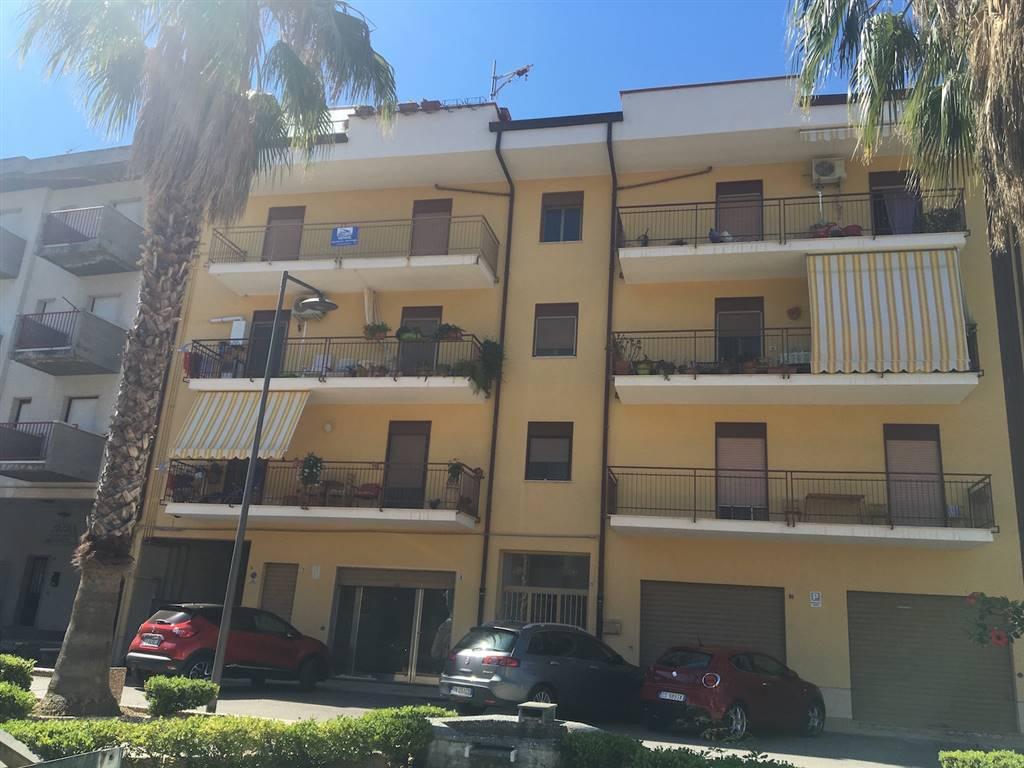 Appartamento in vendita a Lascari, 4 locali, prezzo € 110.000 | CambioCasa.it
