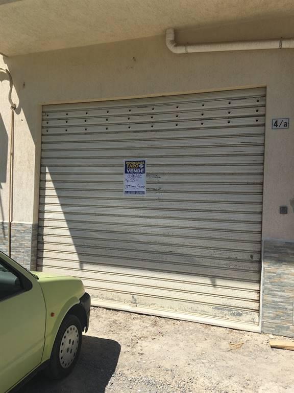 Magazzino in vendita a Campofelice di Roccella, 2 locali, prezzo € 48.000 | Cambio Casa.it