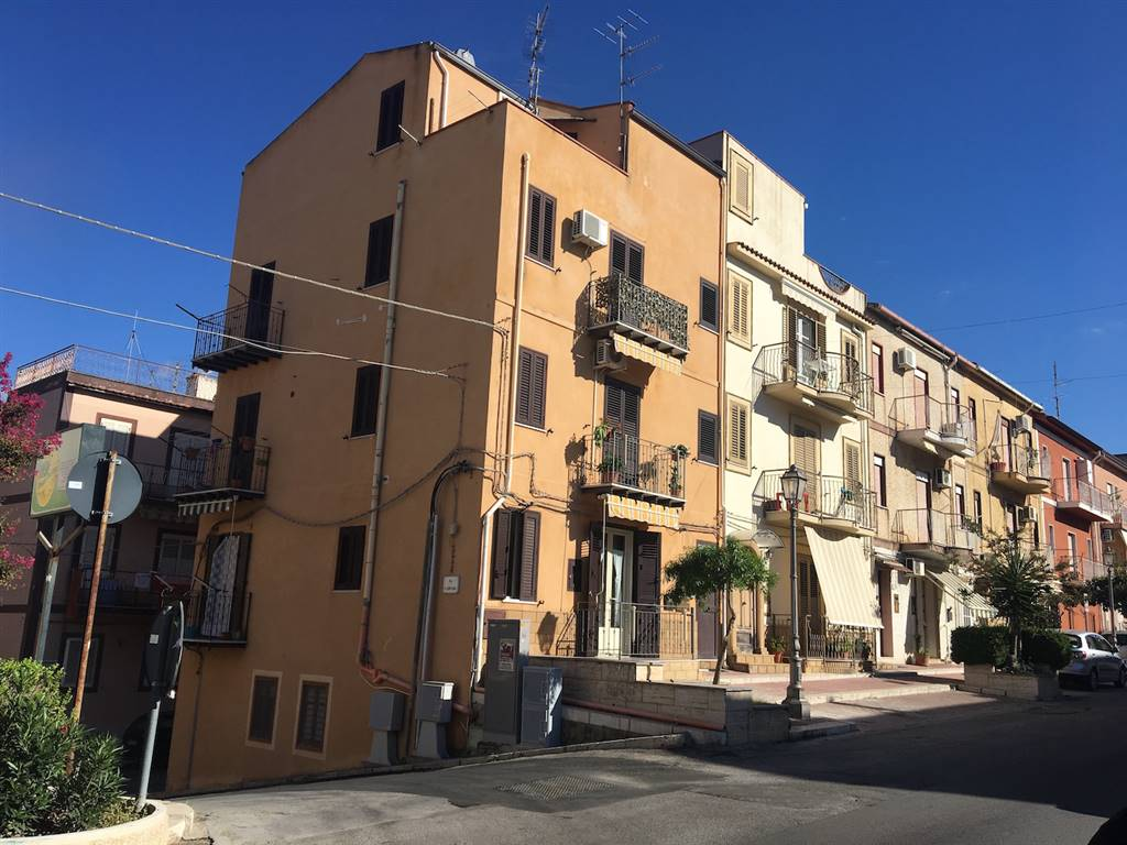 Appartamento in vendita a Campofelice di Roccella, 3 locali, prezzo € 84.000 | Cambio Casa.it