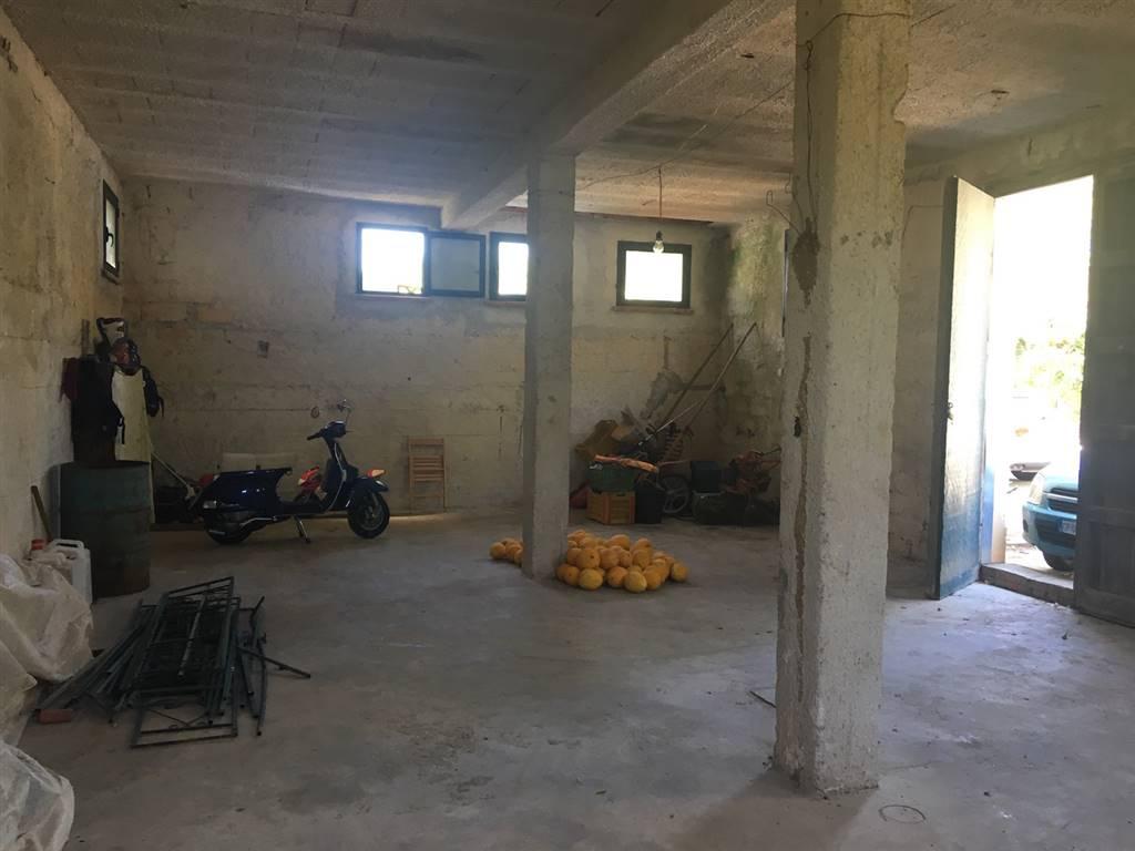 Magazzino in affitto a Campofelice di Roccella, 1 locali, prezzo € 200 | Cambio Casa.it