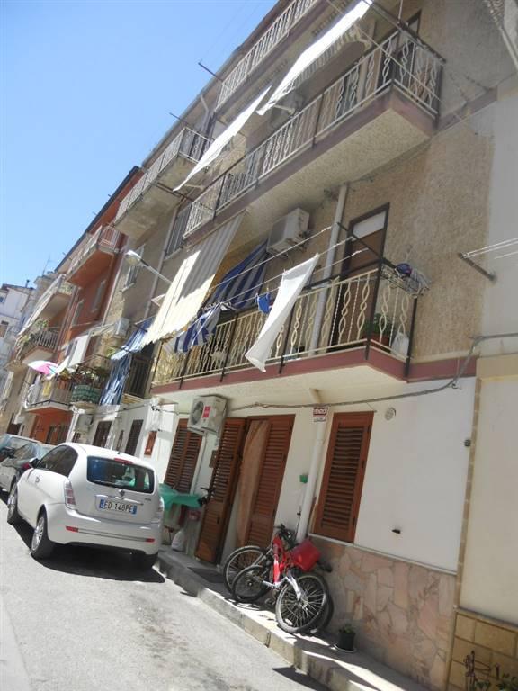 Appartamento in affitto a Campofelice di Roccella, 3 locali, prezzo € 350 | Cambio Casa.it