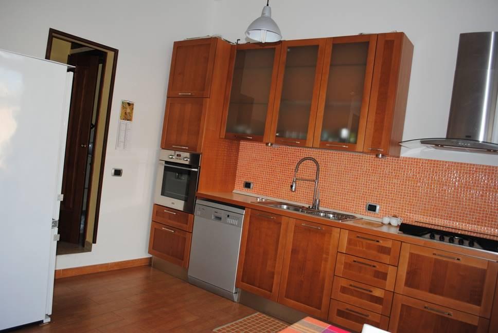 Soluzione Indipendente in affitto a Monreale, 3 locali, zona Località: VILLAGGIO MONTANO, prezzo € 400 | Cambio Casa.it