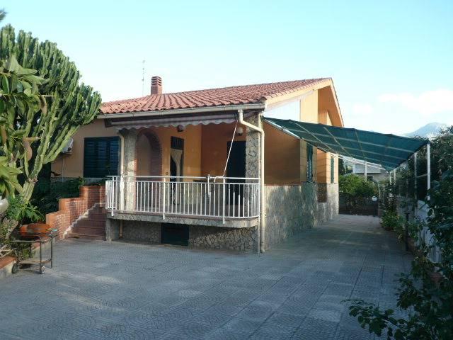 Villa in affitto a Lascari, 5 locali, prezzo € 1.000 | Cambio Casa.it