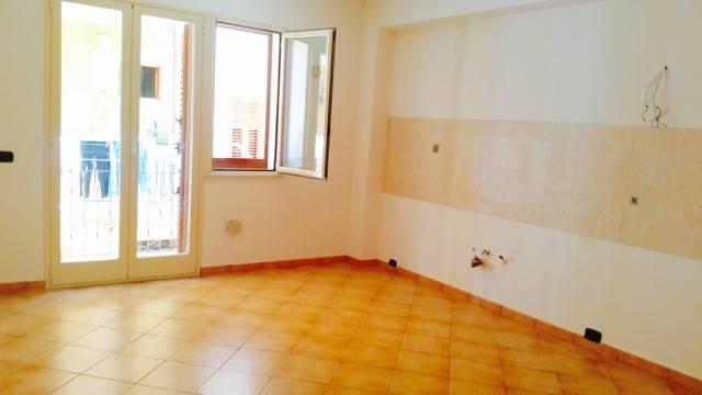 Appartamento in affitto a Campofelice di Roccella, 4 locali, prezzo € 350 | Cambio Casa.it