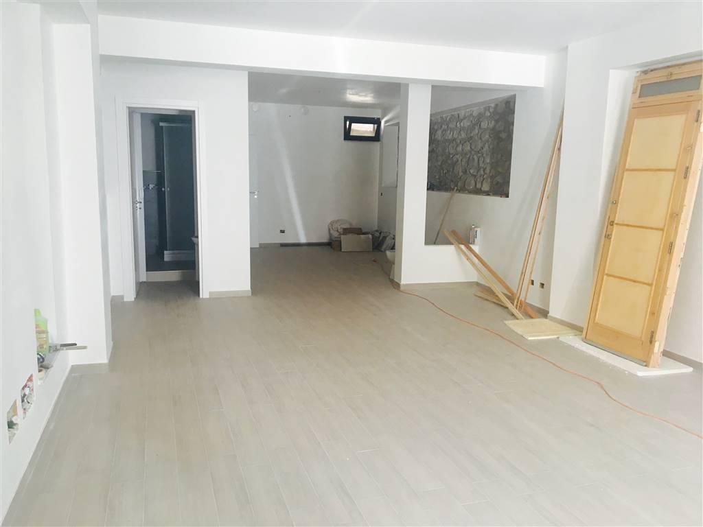 Ufficio / Studio in affitto a Campofelice di Roccella, 2 locali, prezzo € 400   Cambio Casa.it
