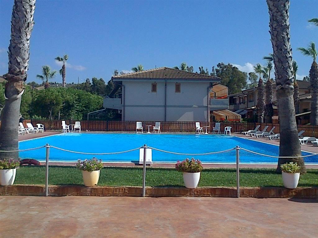 Appartamento in affitto a Campofelice di Roccella, 2 locali, prezzo € 250 | CambioCasa.it