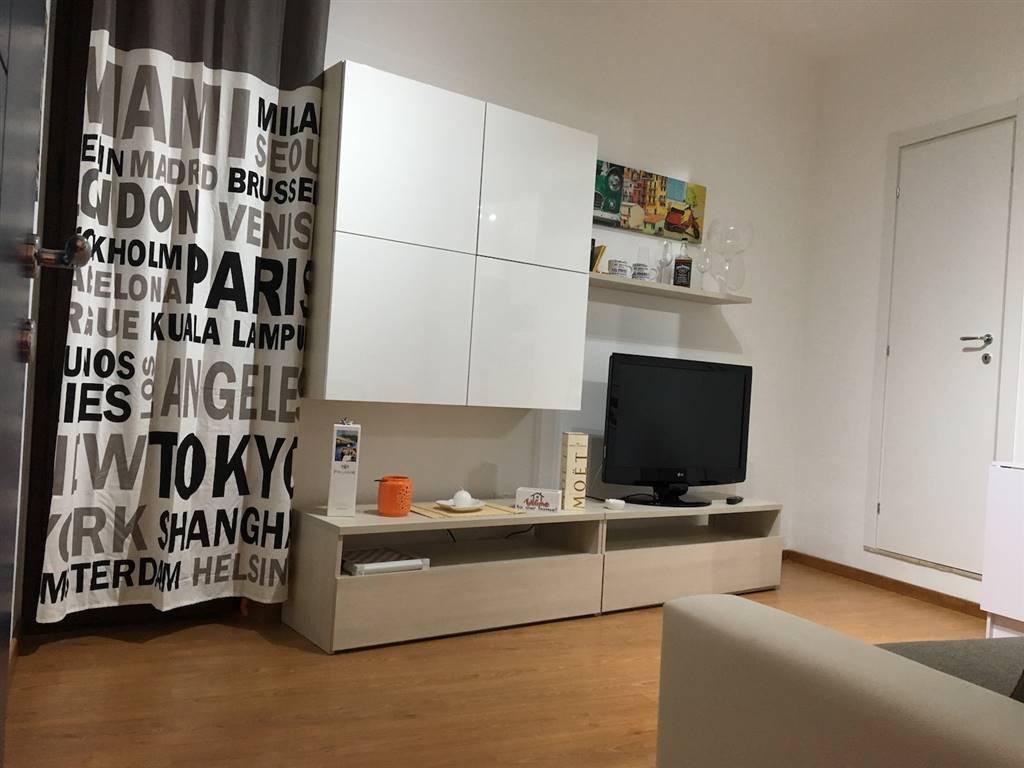 Appartamento in affitto a Campofelice di Roccella, 2 locali, prezzo € 350 | CambioCasa.it