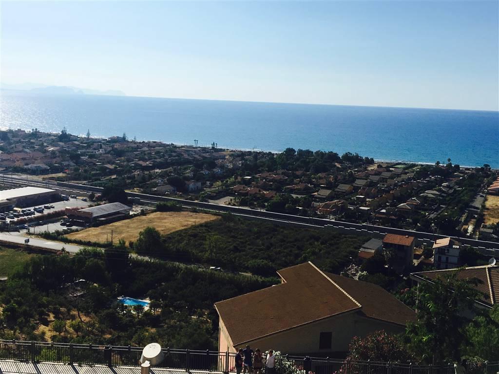 Appartamento in vendita a Campofelice di Roccella, 4 locali, prezzo € 88.000 | CambioCasa.it