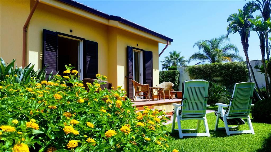 Villa in affitto a Campofelice di Roccella, 4 locali, prezzo € 550   CambioCasa.it