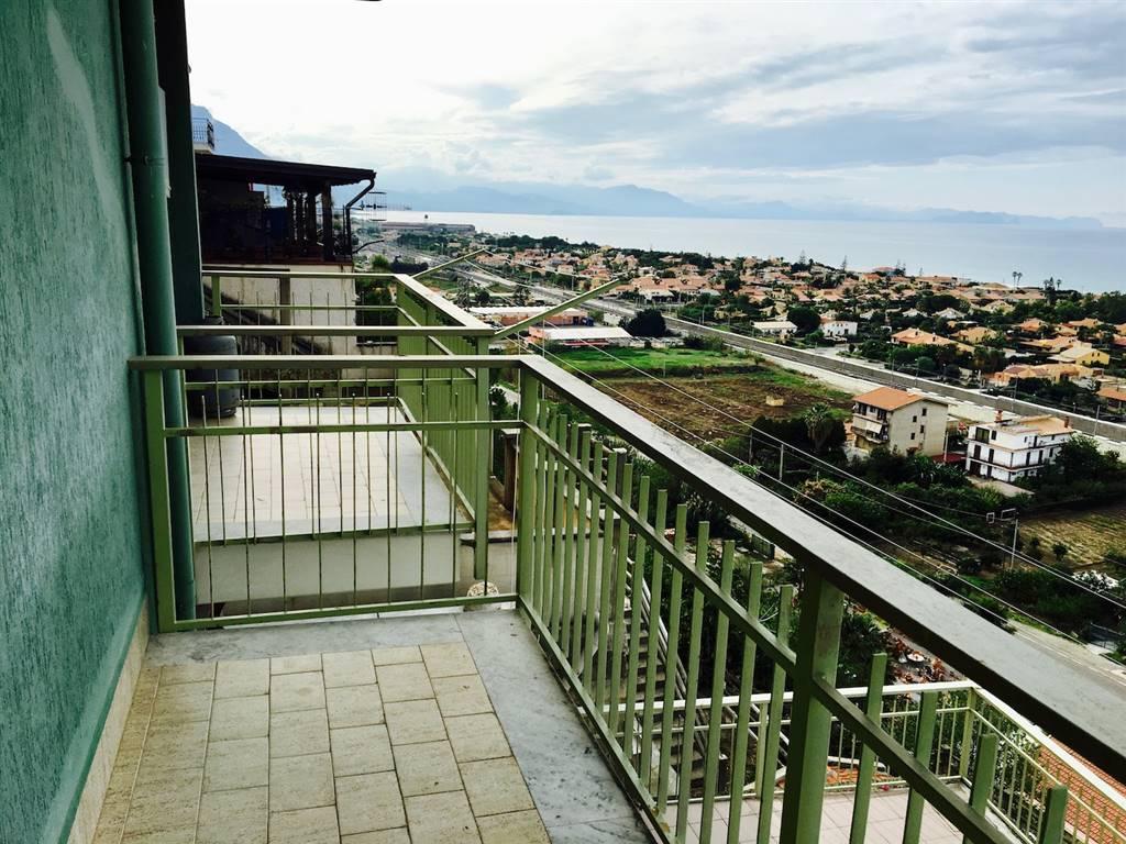 Appartamento in vendita a Campofelice di Roccella, 3 locali, prezzo € 68.000 | CambioCasa.it