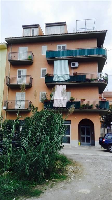 Appartamento in affitto a Lascari, 3 locali, prezzo € 300 | CambioCasa.it