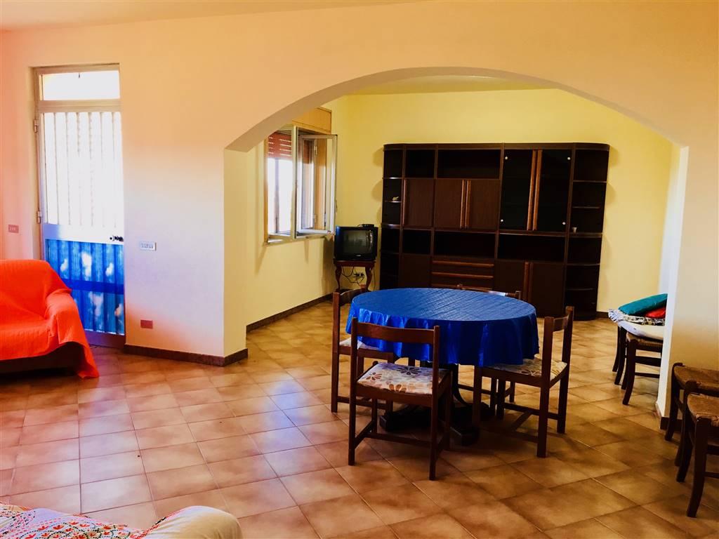 Villa in affitto a Campofelice di Roccella, 5 locali, prezzo € 480 | CambioCasa.it