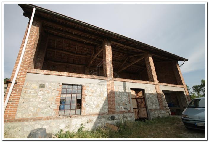 Vendita rustico casale volpedo da ristrutturare piano for Portico rustico