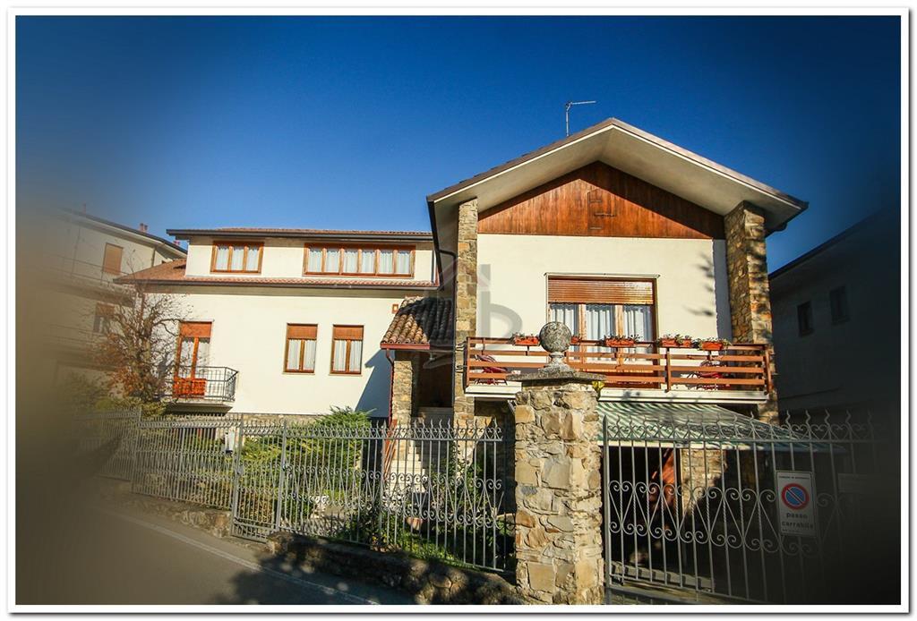 Villa, Godiasco Salice Terme, in ottime condizioni