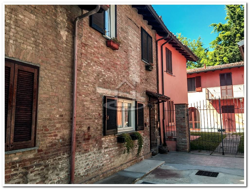 casa semi indipendente in vendita a godiasco salice terme zona ... - Soggiorno Usato Pavia 2