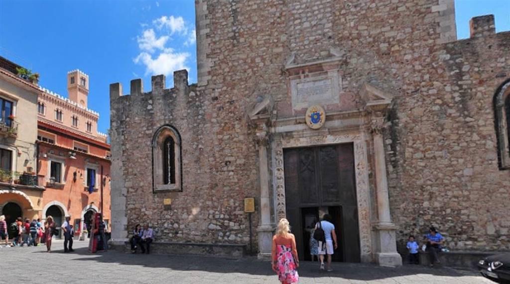 Ufficio H Via Taormina Palermo : Ut ufficio studio in vendita aci castello