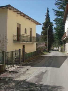 Villa in vendita a Vicchio, 9 locali, prezzo € 199.000 | Cambio Casa.it