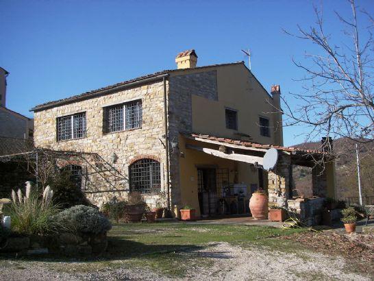 Soluzione Indipendente in vendita a Vaglia, 7 locali, zona Zona: Paterno, prezzo € 390.000 | Cambio Casa.it