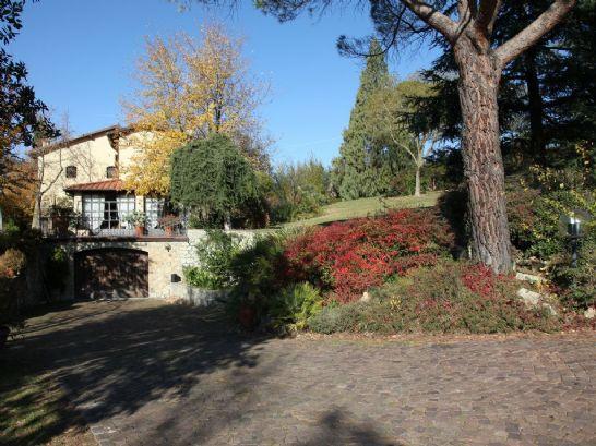 Villa in vendita a Prato, 12 locali, zona Zona: Figline, prezzo € 1.300.000 | Cambio Casa.it