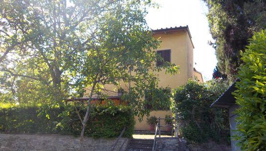 Villa in vendita a Vicchio, 10 locali, prezzo € 390.000 | Cambio Casa.it